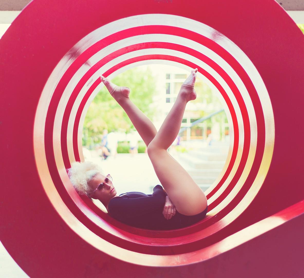 Hula hoop performer Lisa Lottie