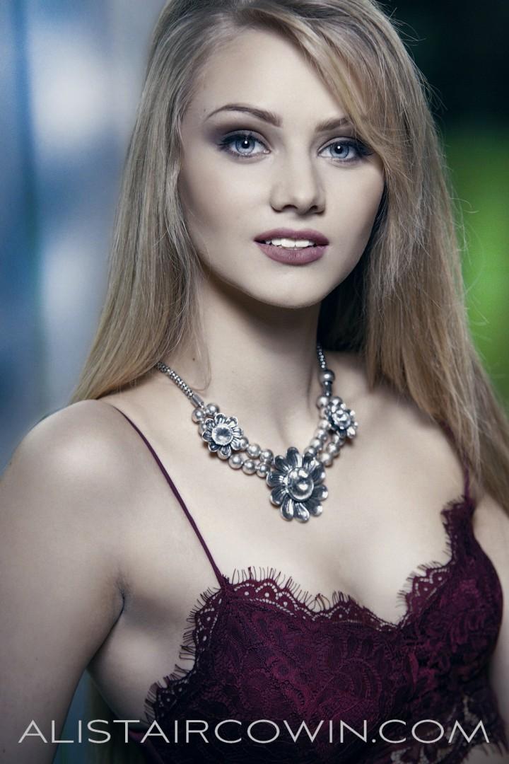 Images shot for Alistair Cowin 'Beauty Book - 2015'  <br /> Model: Sian    Makeup:  Chloe Bradley