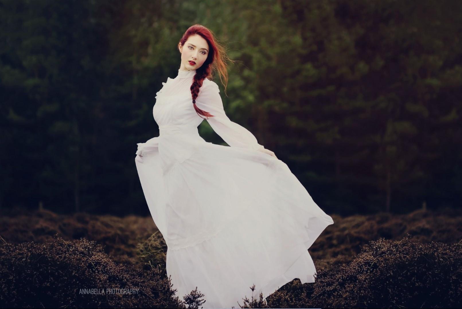 Photographer: Annabella Photography