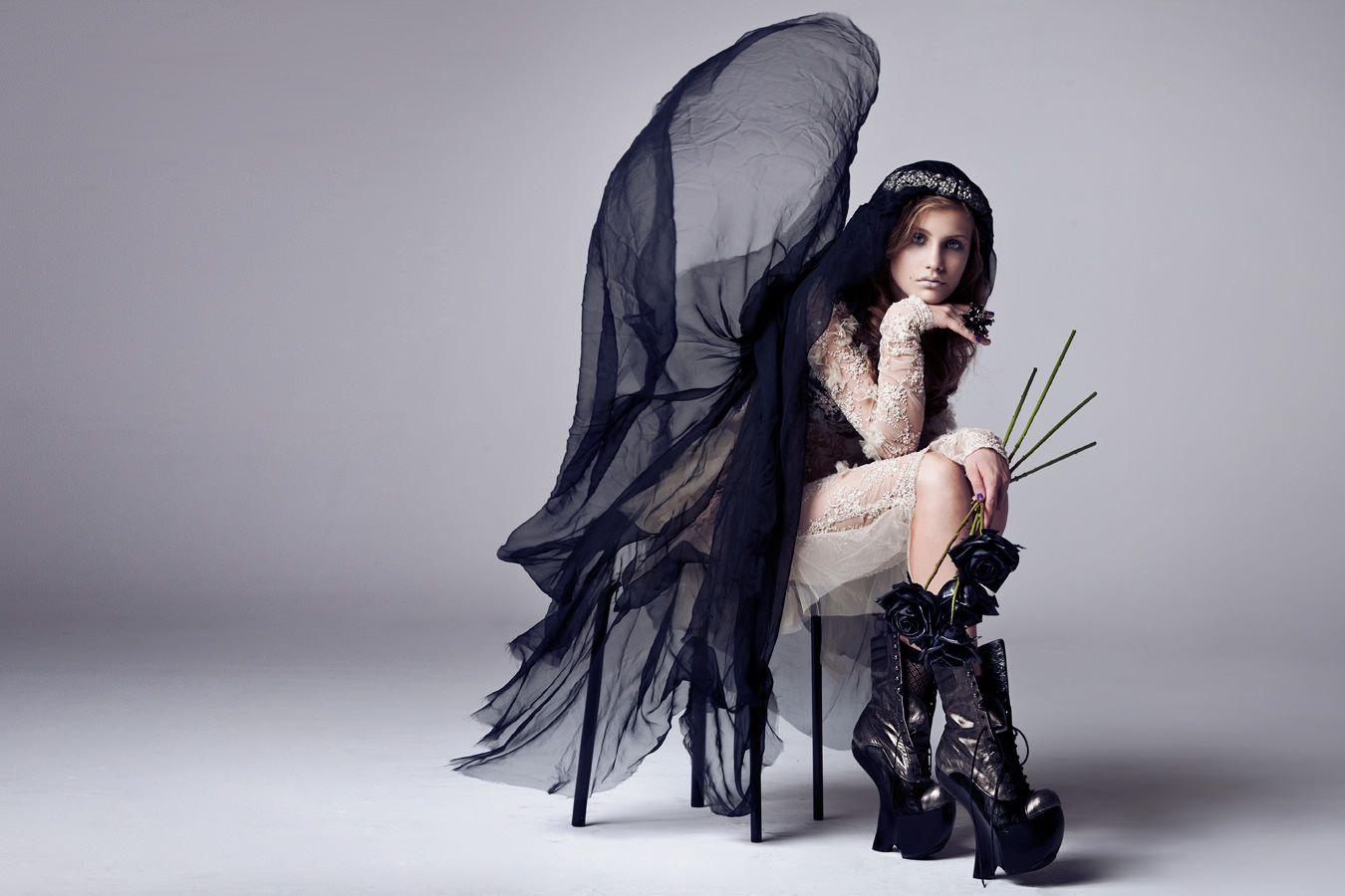 photo : Maciej Bernas<br /> styling & make up: Boom Team<br /> model: Julie/ GaGa